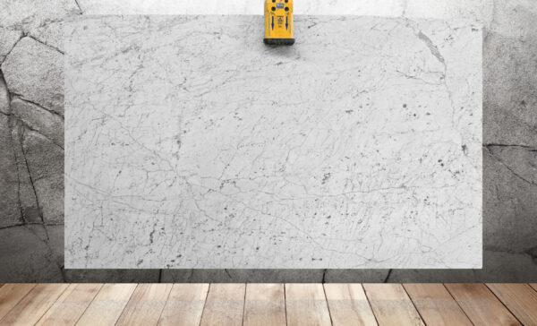 слэб мрамора белого цвета Bianco Carrara Gioia Extra