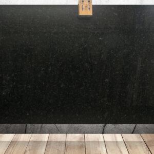 Гранит черного цвета Brown Antic